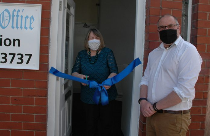 Fiona Bruce opens Chronicle offices.